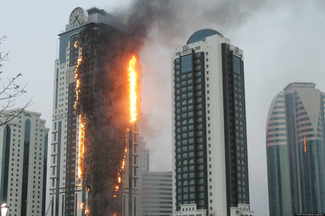 GROZNY, RUSSIA. APRIL 3, 2013. A fire at a 145-meter-high building in Chechnya's capital Grozny. This is the Olympus (Olimp) Tower in the Grozny City compound. (Photo ITAR-TASS / Murat Kazbekov)