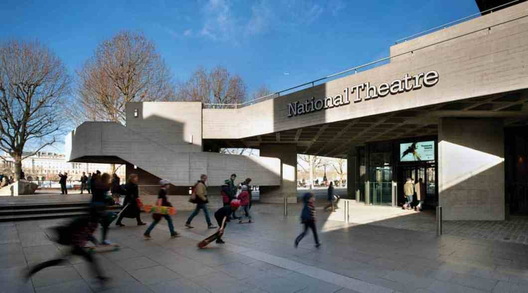 Advanced MxPro panels have been installed in the National Theatre.