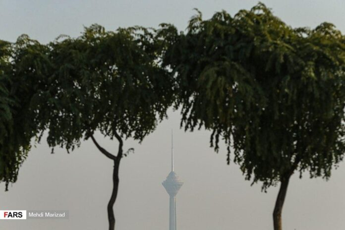 Air Polution Returns to Tehran as Winter Looms 1