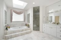 50 Beautifully Lit Bathrooms with Skylights - Dcoration ...
