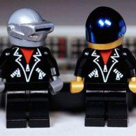 Daft Punk goes Lego  Snapzu Entertainment