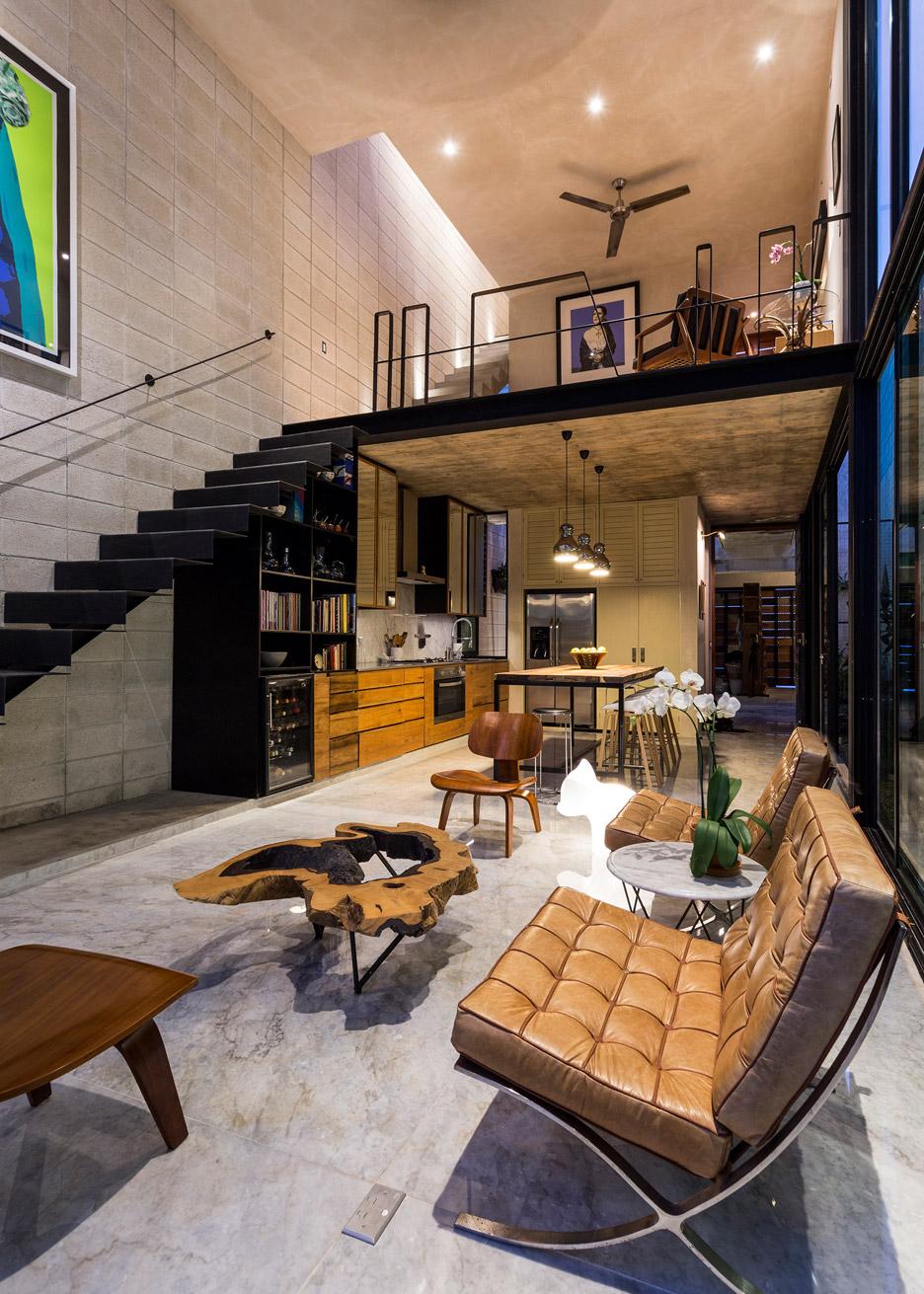 3Novices Huge Glass Doors Open Taller Estilo Arquitectura's