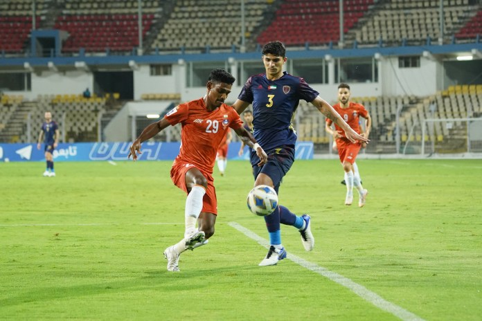 Match Report - FC Goa put in a valiant effort against Al Wahda to secure a point Devendra Murgaokar fights for the ball FC Goa va Al Wahda AFC Champions League 2021