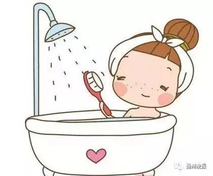36歲女子回家就洗熱水澡,沒想到越洗越痛,手腳竟全裂開,手上就有10多處口子!真相不能不知道!