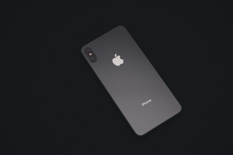 black-iphone