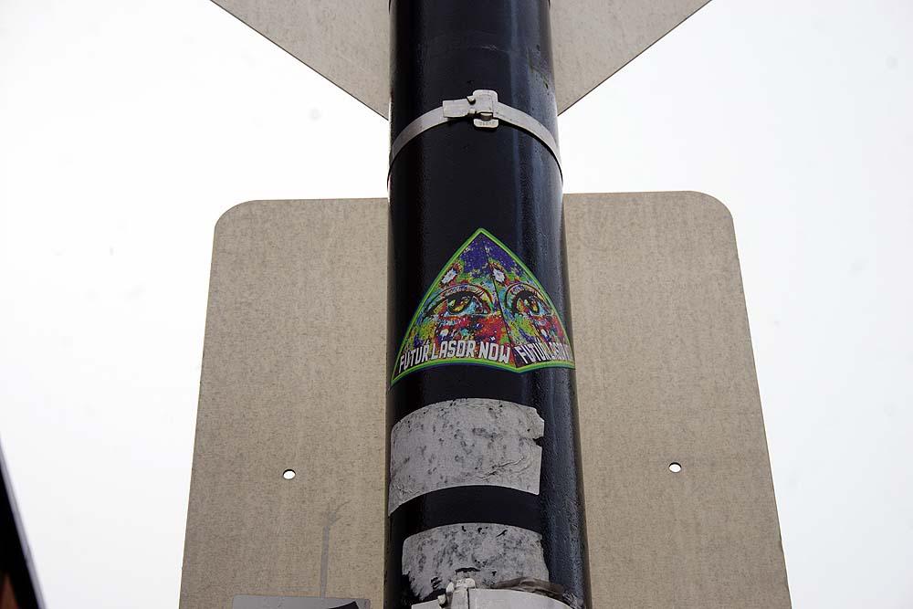 Futur Lasor Now pyramidal sticker