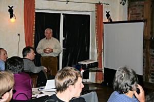 Peter Debold eröffnet das Welstreffen 2011
