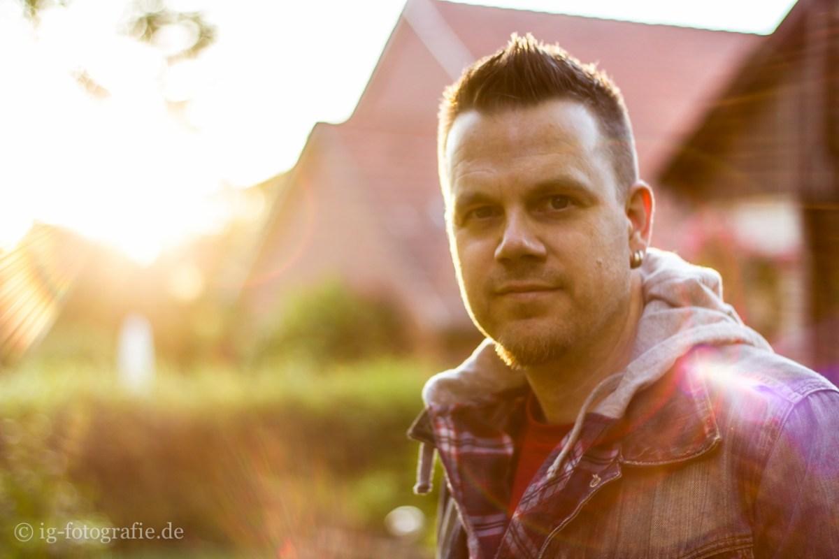 Gegenlicht Portrait: Lifestyle Fotografie - against the sun