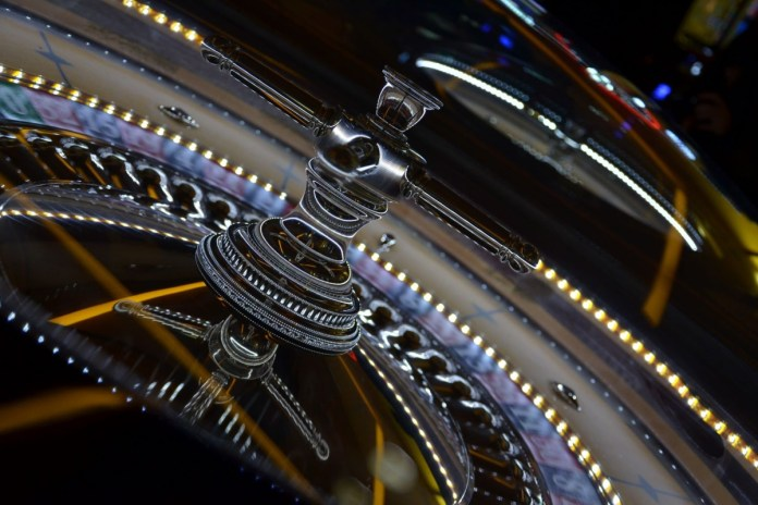 Live Casinos Online or traditional land base Casinos