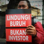"Indonesia in Covid-19 Vortex:  ""Workers' Resistance to Waves of Mass Layoffs & Omnibus Law"""