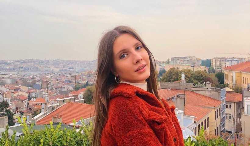 Dilara Kurtulmuş's Instagram Live Stream from December 9th 2019.