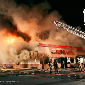 Burger King On Fire - asado a la parrilla - en llamas