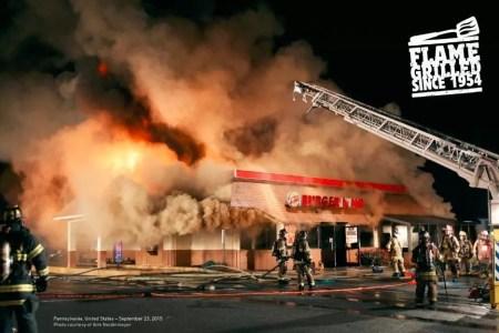Burger King On Fire - asado a la parrilla - en llamas