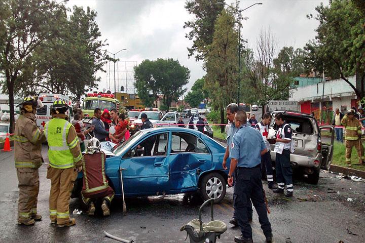 Cinco Heridos En Carambola Vehicular