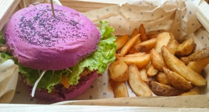 Pink bomb: hamburger vegetariano e sano presso Flower Burger, Torino
