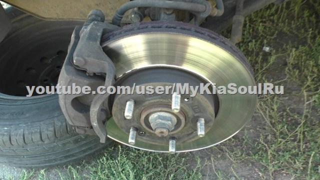 Состояние тормозных дисков и колодок Kia Soul AM после 53 тысяч км пробега
