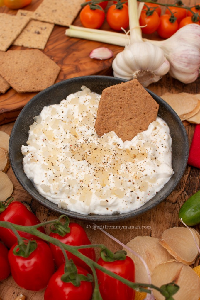 Mast Moosir Recipe | Persian Solo Garlic Yoghurt Dip   Mast o Moosir is a delicious Persian yogurt dip. Solo garlic has a mild, nutty flavour, making this dip so tasty and smooth.  igotitfrommymaman.com #persianrecipes #persianfood