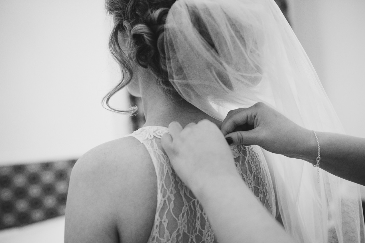 WEDDING PHOTOGRAPHY  HUDDERSFIELD -DURKER ROODS HOTEL 9