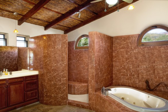 Hacienda_Colorados_Master_Bathroom_CC_HERO