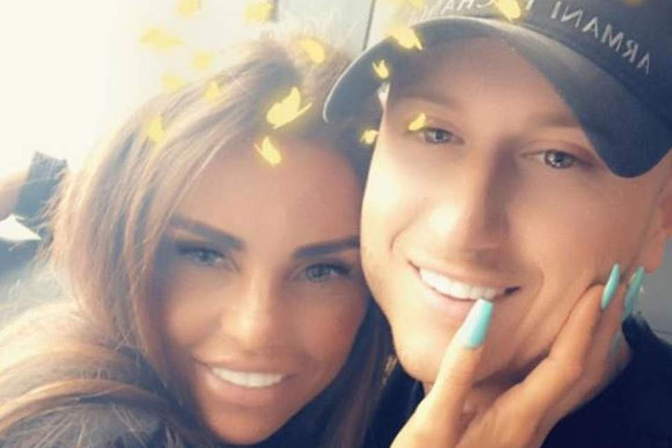 Katie Price posts marriage proposal on social media at 1am heartfelt