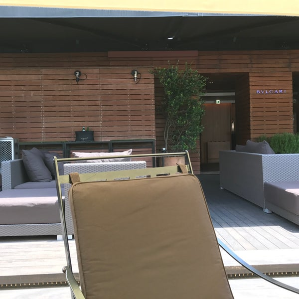 BVLGARI La Terrazza Lounge    1 tip