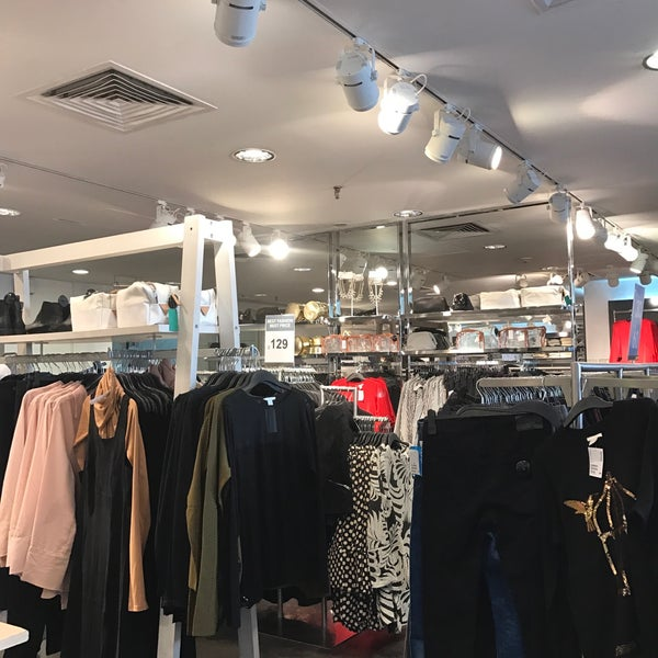 H&M - Clothing Store in Medina