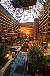 Atrium, Hilton Anatole
