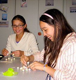 Girls at the Tinkering Studio - Marshmellow structures