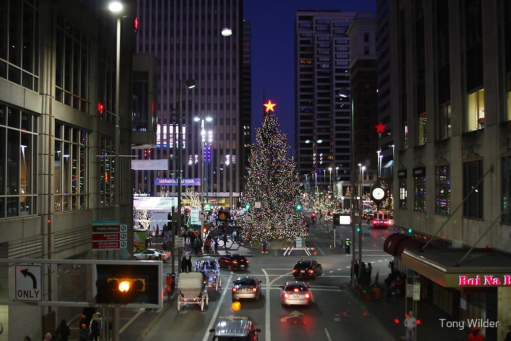 Cincinnati Christmas  Fountain Square Tree by Tony