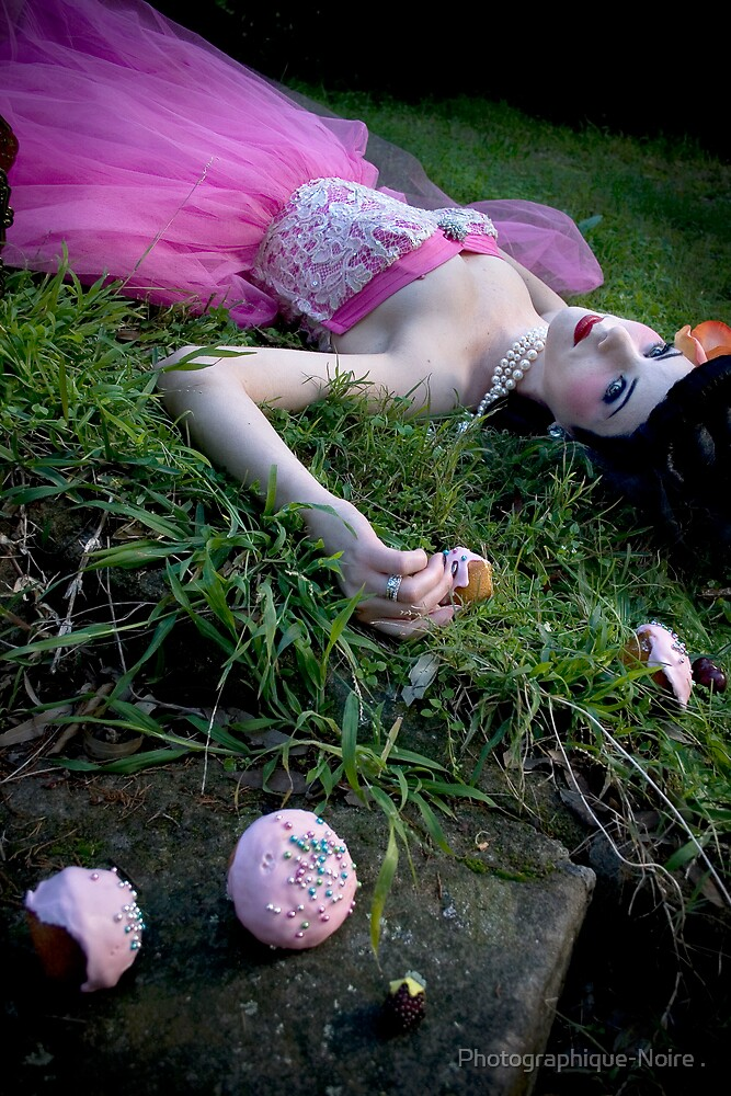 Beautiful Dead Girls lX by PhotographiqueNoire