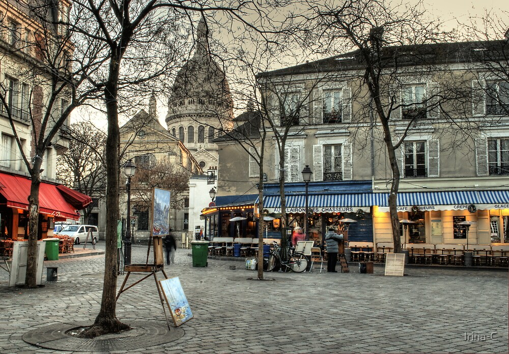 people irina c works place du tertre montmartre in the morning