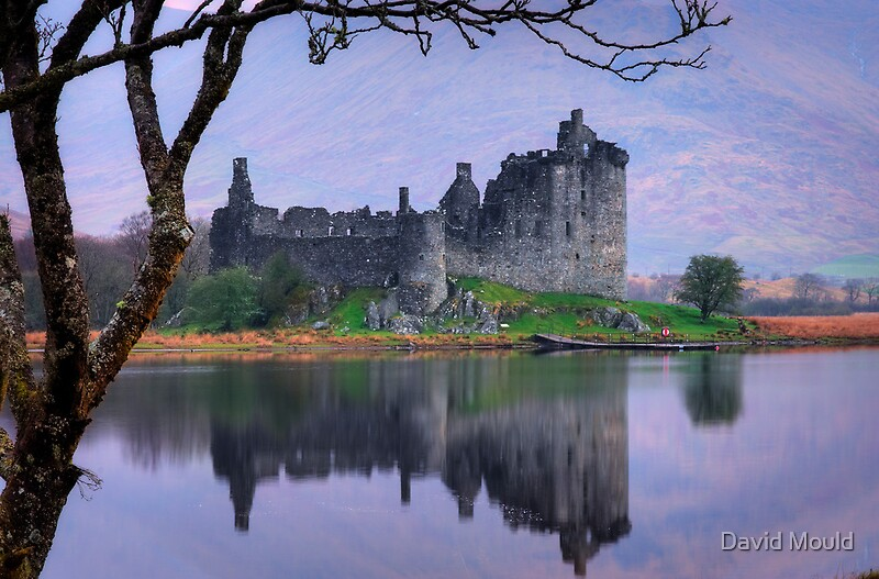 Kilchurn Castle  Loch Awe  Argyll by David Mould