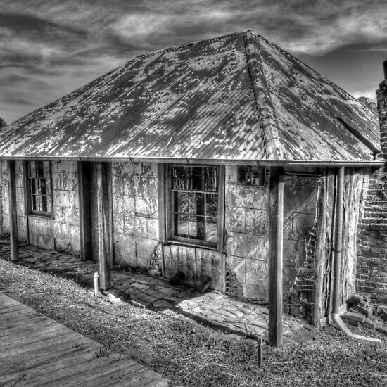 Beyers Cottage- B&W