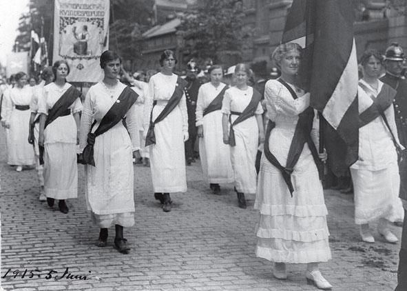 kvindeoptog-anno-1915-st