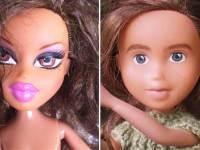 Художница умывает современные куклы