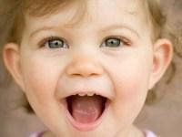 9 способов вызвать у малыша улыбку