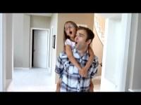 Папа и дочь сняли клип, в котором видно как они любят друг друга
