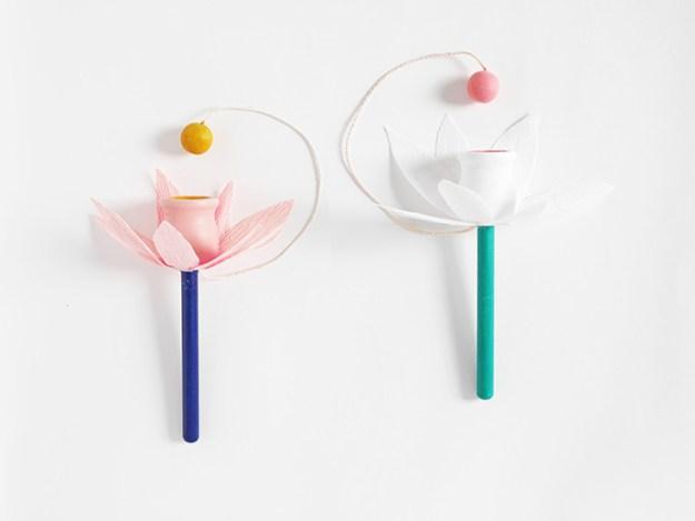 цветок из игрушки