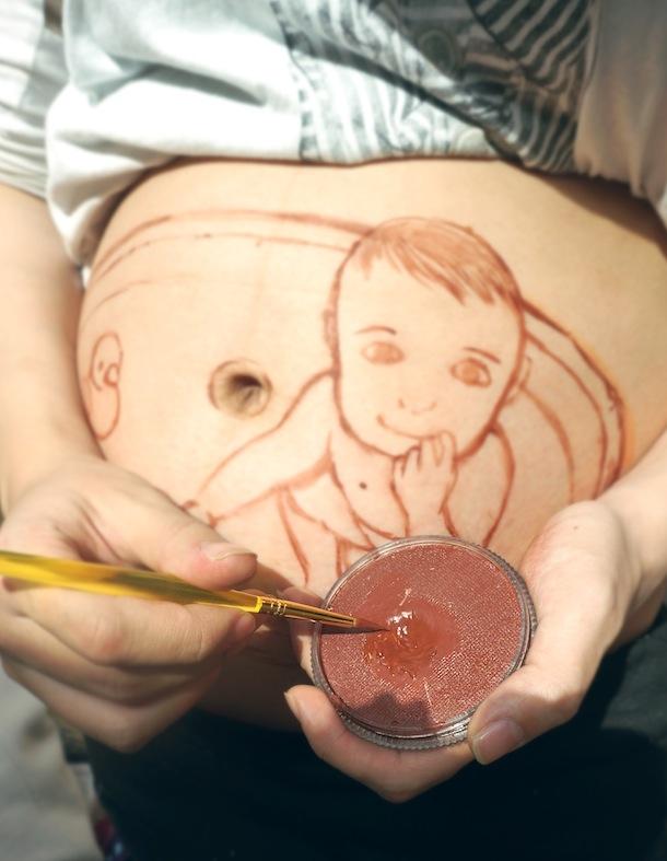 рисунки у беременной на животе2