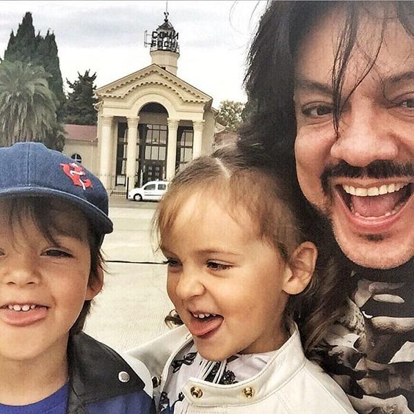 Филипп Киркоров с сыном Мартином и дочерью Аллой-Викторией
