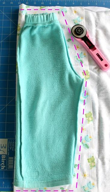 А из взрослых надоевших пижамных штанов легко сделать детские2