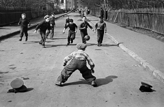 Футбол во дворе - святое дело