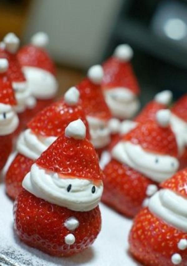 Клубничные Деды Морозы