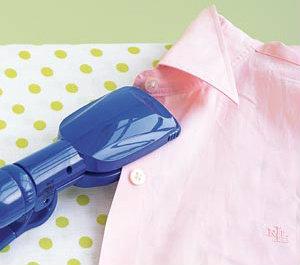 Манжеты и воротник рубашки будут идеально выглаженными благодаря утюжку для волос