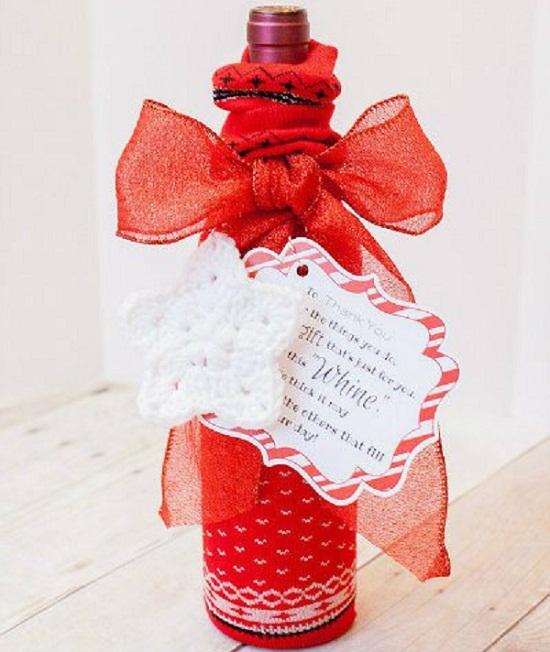 Красивый текстильный чехол для подарочной бутылки вина