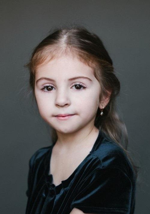 папа - армянин, мама - русская. Элиза, 5 лет