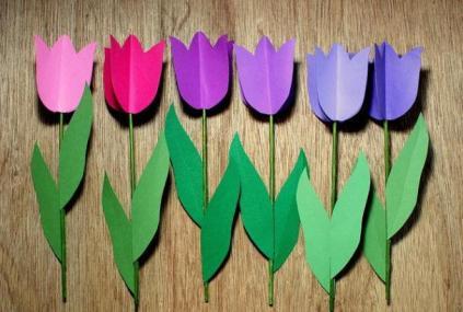 Тюльпаны к 8 Марта. Трогательная поделка с детьми