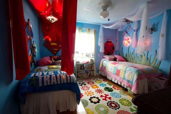 Можно сделать комнату из двух частей по пожеланиям детей