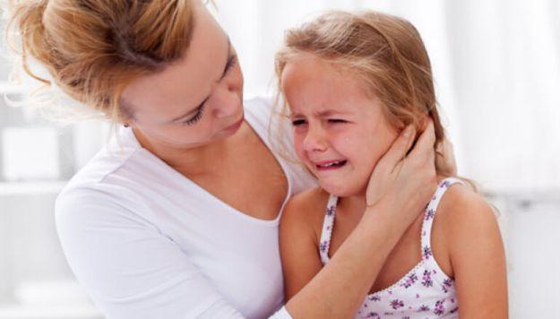 Вместо Хватит плакать лучше говорить Твои слезы не смогут повлиять на мое мнение. После того, как ты успокоишься, я могу с тобой поговорить