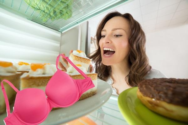 Чтобы не болела набухшая грудь, используйте охлажденный бюстгальтер